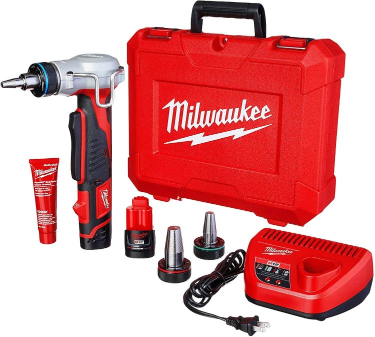 milwaukee 2432 22 m12